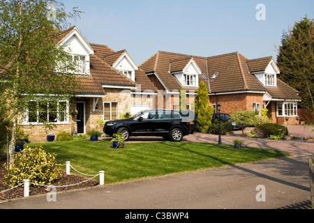 Large modern detached houses, Bricket Wood, St Albans, Hertfordshire, England, UK - Stock Photo