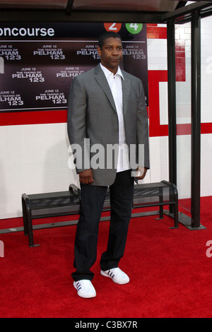 Denzel Washington Los Angeles Premiere of 'The Taking of Pelham 123' at the Mann Village Theatre - Arrivals Los - Stock Photo