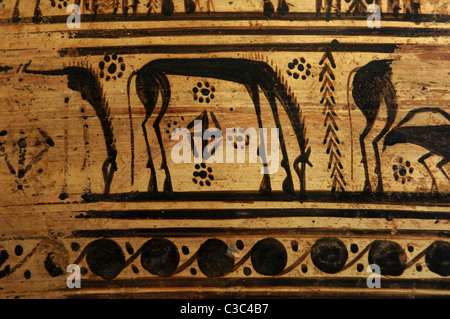 Greek art. Terracotta krater with lid surmounted by a small hydria. Decorative detail. Geometric Period. Ca. 750 - Stock Photo