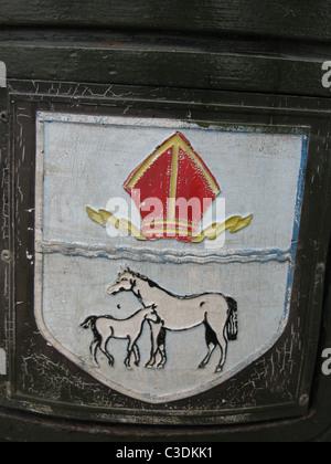 Crest on litter bin City of Ely - Stock Photo