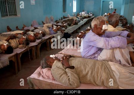 Bihar India March 2011. Akhand Jyoti Eye hospital, Mastichak . The men's section of post operative ward where patients - Stock Photo
