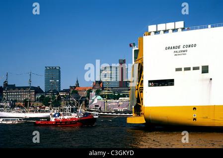 Grimaldi's vehicle transporter Grande Congo passes Landungsbrücken upon arrival in the port of Hamburg. - Stock Photo