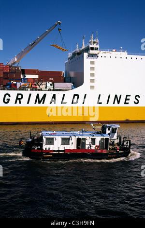 Grimaldi's Grande Congo at the terminal in Hansahafen in the port of Hamburg. - Stock Photo