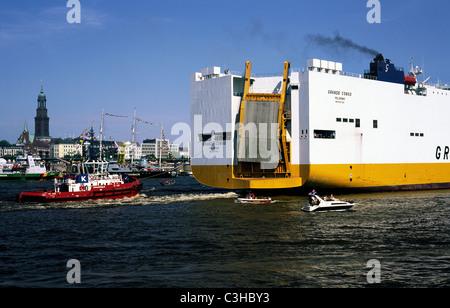 Grimaldi's Grande Congo passes Überseebrücke upon arrival in the port of Hamburg. - Stock Photo