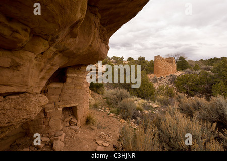 Cutthroat Castle Group dwelling and stone tower at Hovenweep National Monument in southern Utah, USA. - Stock Photo