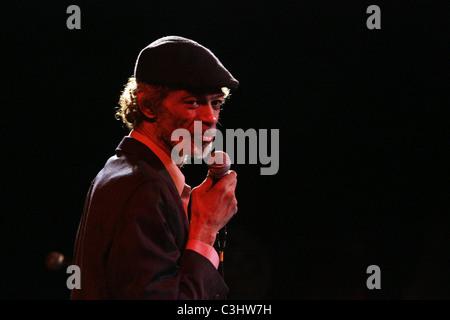 Gil Scott-Heron performs at B.B. King Blues Club New York City, USA - 04.11.09 - Stock Photo