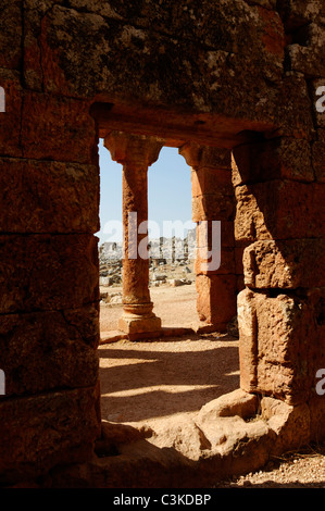 Partial view of the portico of the meeting hall for men or Andron at the Dead Byzantine city of Serjilla in north - Stock Photo
