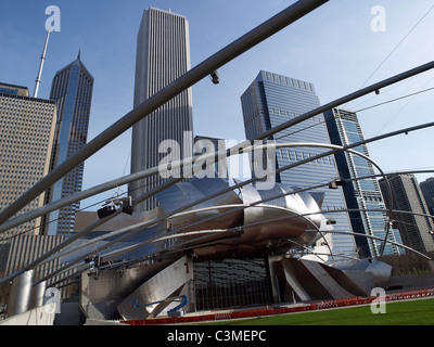 view of the stage, speaker framework, and north Grant Park skyline from the  amphitheater in Millennium Park, Chicago, - Stock Photo