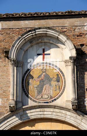 italy, rome, celio, villa celimontana, san tommaso in formis, medieval gate with mosaic of jacopo and cosma dei - Stock Photo