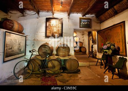 South Africa, Western Cape, Stellenbosch, Muratie Wine Estate. Entrance of tasting room. - Stock Photo