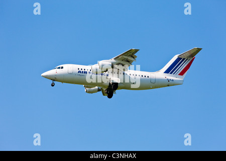 Flight Air France ( BAe 146 ) landing - Stock Photo