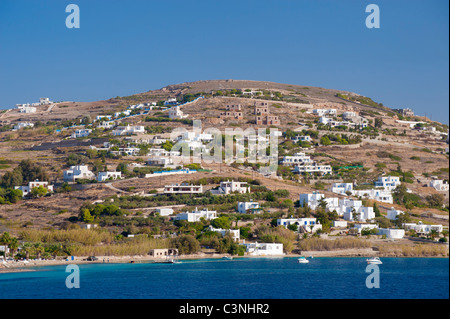 Hillside houses near the harbour of Hora, on the Greek Cyclade island of Naxos. - Stock Photo