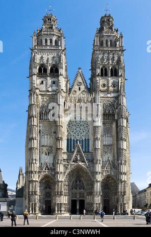 Tours Cathedral (Cathedrale Saint Gatien), Tours, Indre et Loire, France - Stock Photo