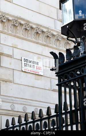 London , Westminster , Whitehall , entrance to Downing Street , official residence Prime Minster & Chancellor of - Stock Photo