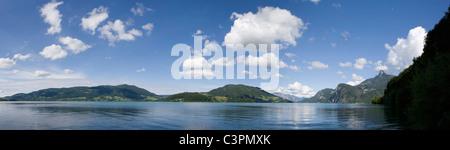 Austria, Salzkammergut, Lake Mondsee, Mount Schafberg in background - Stock Photo