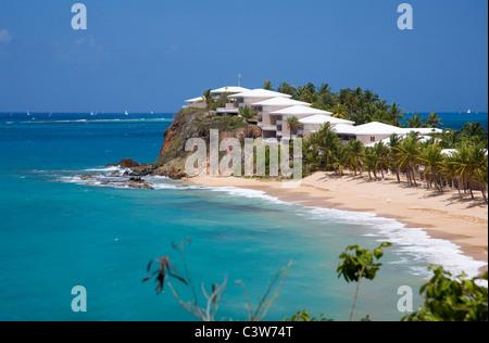 Curtain Bluff resort facing Carlisle Bay in Antigua - Stock Photo