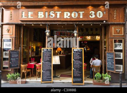 Bistrot on Rue St Severin just off the Boulevard St Michel, Latin Quarter, Paris, France - Stock Photo