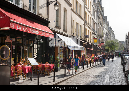 Restaurant and shops on the Rue de la Harpe just off the Boulevard St Michel, Latin Quarter, Paris, France - Stock Photo