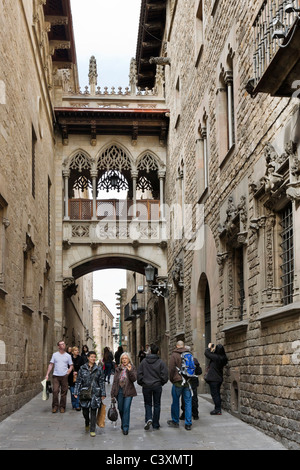 Pont del Bisbe, a neo gothic footbridge on Carrer Bisbe in the Gothic Quarter ( Barri Gotic ), Barcelona, Catalunya, - Stock Photo
