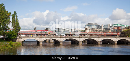 Glasgow Bridge, seven-span road and pedestrian bridge, and the Second Caledonian Railway Bridge; River Clyde, central - Stock Photo