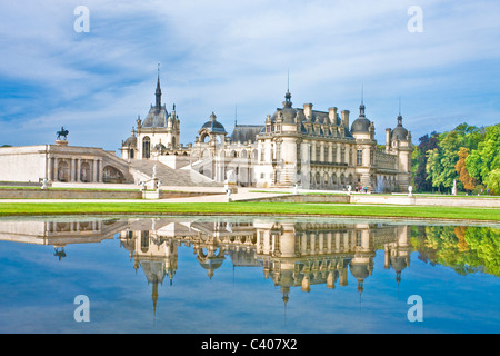 France, Europe, Villandry, Picardy, castle, world cultural heritage, water, reflection - Stock Photo