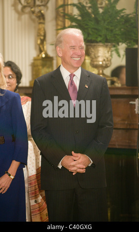 Vice President Joe Biden listens to the national anthem before US President Barack Obama and Indian Prime Minister - Stock Photo