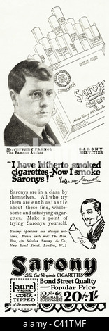 Original 1920s magazine advert for SARONY VIRGINIA CIGARETTES featuring a celebrity of the period Jeffrey Farnol - Stock Photo