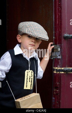World War 2 Child refugee & evacuees.  Re-enactment at a British Railway Station. The 1940, 1941, 1942, 1943, 1944,s - Stock Photo