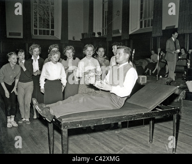BENNY HILL UK comedian rehearsing for an ATV TV Saturday Spectacular in November 1958 - Stock Photo