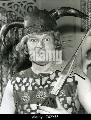 BENNY HILL (1924-1992) UK comedian rehearsing for his TV show in November 1958 - Stock Photo