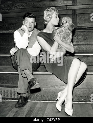 BENNY HILL UK comedian in rehearsal for TV show with Jane Novello in November 1958 - Stock Photo