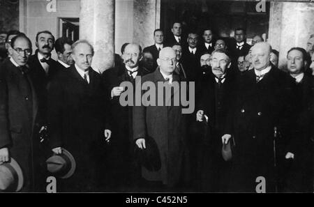 Scialoja, Vandervelde, Kuther, Briand and Stresemann at the League of Nations meeting, 1926 - Stock Photo