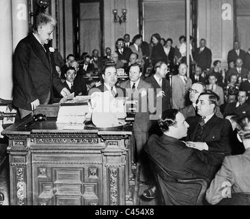 Albert Einstein holds a speech, 1934 - Stock Photo