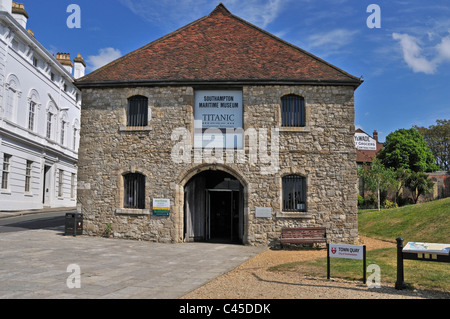 The 14th Century Wool House, now the Maritime Museum home to the Titanic Exhibition , Southampton - Stock Photo