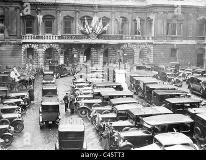 Parking lot of the Royal Academy of Arts in London, 1934 - Stock Photo
