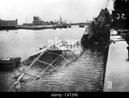 Airship wreck in Ostend - Stock Photo