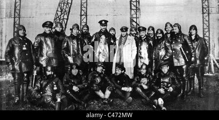 The crew of zeppelin L 59 (LZ 104), 1917 - Stock Photo