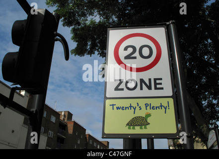 Twenty's plenty 20mph speed limit sign, Hackney, London - Stock Photo