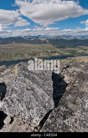 Blick ueber das Alvdal Vestfjell, Hedmark, zu Gipfeln im Rondane Nationalpark, Oppland, Norwegen - Stock Photo