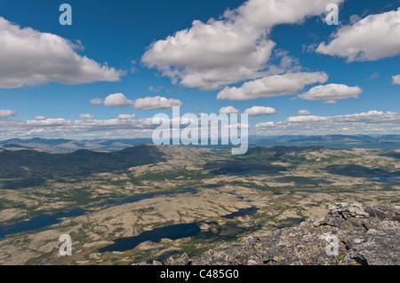 Blick ueber das Alvdal Vestfjell, Hedmark, zum Berg Snoehetta im Dovrefjell-Sunndalsfjella Nationalpark, Oppland, - Stock Photo