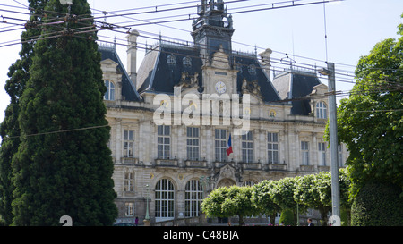 Town of limoges france stock photo royalty free image for Piscine limoges