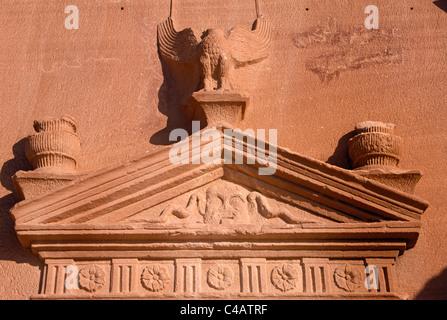 Saudi Arabia, Madinah, nr. Al-Ula, Madain Saleh (aka Hegra). Decorative carvings - Stock Photo