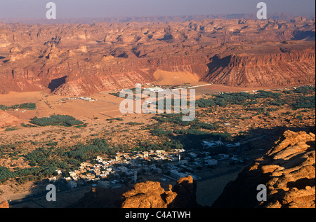 Saudi Arabia, Madinah, Al-Ula. A view of the town and oasis of Al-Ula from the surrounding hills. - Stock Photo