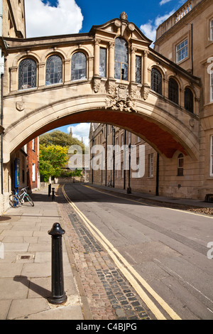 Hertford Bridge known as the Bridge of Sighs, Hertford College, Oxford University, Oxfordshire, England, UK, Great - Stock Photo