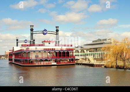 Elgin gambling boat casino gulport ms