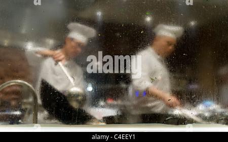 Kitchen at Xindalu restaurant, Hyatt on the Bund, Shanghai. - Stock Photo