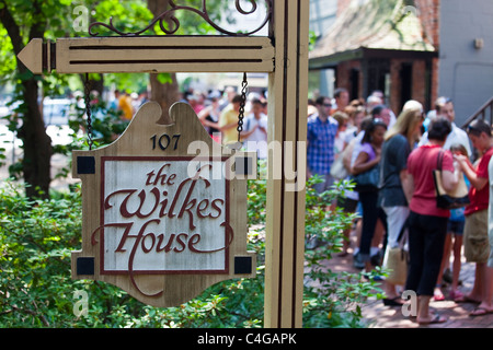 mrs. wilkes' dining room, the wilkes house restaurant, savannah