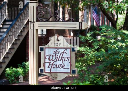 Mrs. Wilkes' Dining Room, the Wilkes House restaurant, Savannah, Georgia - Stock Photo