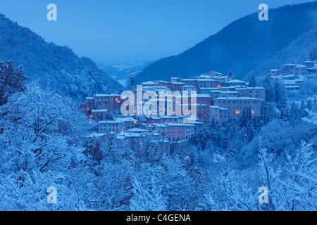 Preci at dawn in winter, Valnerina, Monti Sibillini National Park, Umbria, Italy - Stock Photo