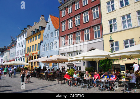 17th century waterfront buildings on Nyhavn Canal, Copenhagen, Hovedstaden Region, Denmark - Stock Photo